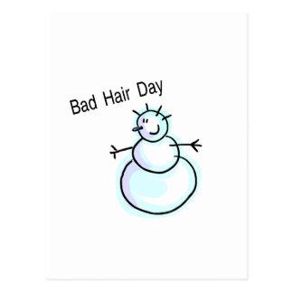 Mauvais bonhomme de neige de jour de cheveux cartes postales