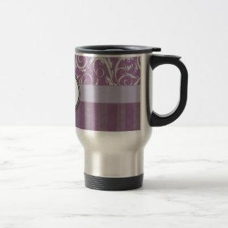 Mèches et rayures florales de lavande avec le mug de voyage