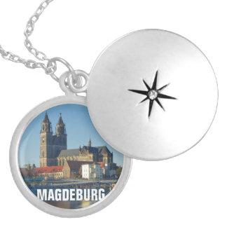 Médaillon Avec Fermoir Cathédrale de Magdebourg 03.2.T