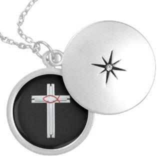 Médaillon Avec Fermoir Croix rouge d'Ichthus