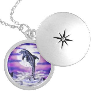 Médaillon Avec Fermoir Dauphin de clair de lune