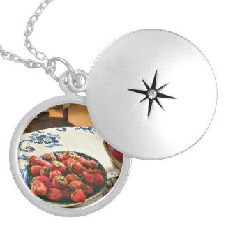 Médaillon Avec Fermoir Plat des fraises