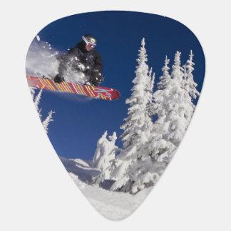 Médiators Action de snowboarding à la station de sports de