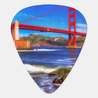Médiators C'est une image de HDR de 3 tirs du Golden Gate