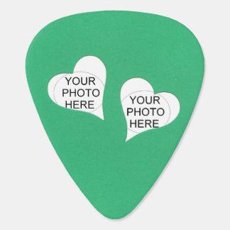 Médiators Deux coeurs sur le vert ajoutent des photos