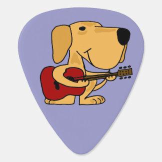 Médiators Labrador jaune drôle jouant la guitare