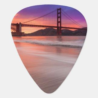 Médiators Une capture de golden gate bridge de San Francisco