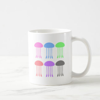 Méduses d'arc-en-ciel sur le défilé mug