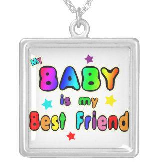 Meilleur ami de bébé pendentif carré