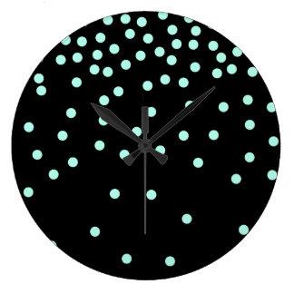 menthe élégante et points noirs grande horloge ronde