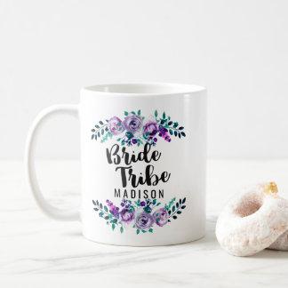 Menthe et tribu florale pourpre de jeune mariée de mug