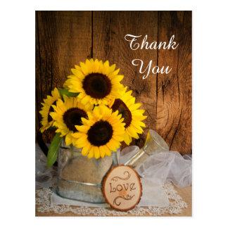 Merci de mariage de boîte d'arrosage de jardin de cartes postales