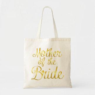 Mère de la jeune mariée dans le sac fourre-tout à