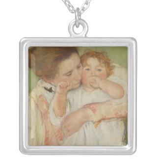 Mère et enfant, 1897 pendentif carré