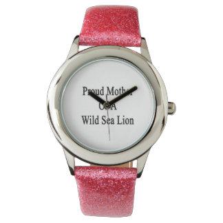 Mère fière d'une otarie sauvage montres bracelet