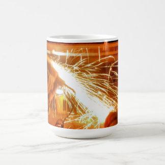 Mettant d'aplomb des étincelles originales mug