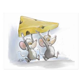 MIC et Mac apportant la carte postale de fromage