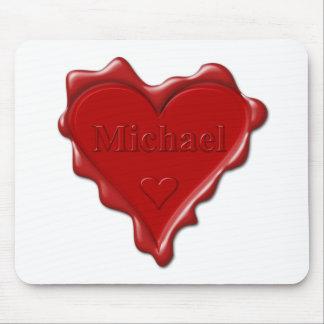 Michael. Joint rouge de cire de coeur avec Michael Tapis De Souris