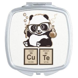 Mignon découvert par panda de chimie miroir de poche