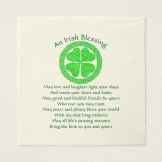 Milieu celtique de partie de shamrock de serviette jetable