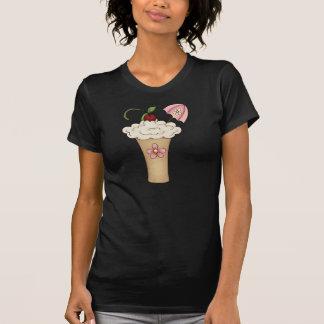Milkshake avec un T-shirt de femmes de parapluie