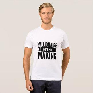 Millionnaire dans le T-shirt de fabrication