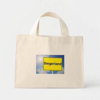 Mini Tote Bag Pays de gagnant signe avec l'arrière-plan de ciel