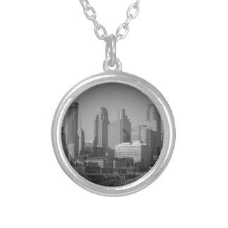 Minneapolis noir et blanc collier