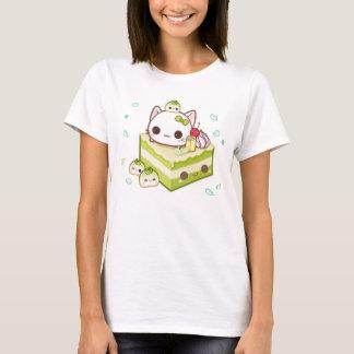 Minou mignon de mochi avec le gâteau de thé vert t-shirt