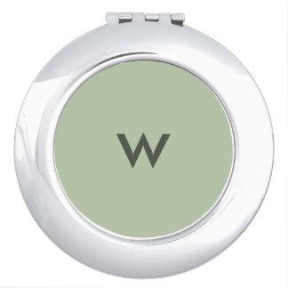 Miroir compact décoré d'un monogramme de jade