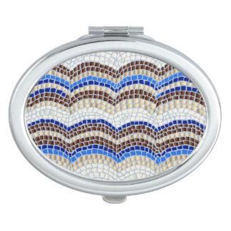 Miroir compact ovale de mosaïque bleue