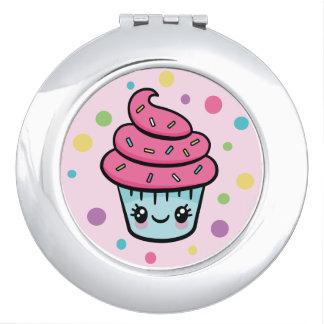 Miroir de contrat de petit gâteau de joyeux miroirs de maquillage