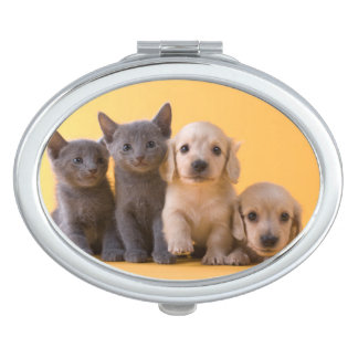 Miroir De Poche Chatons et chiots bleus russes de teckel