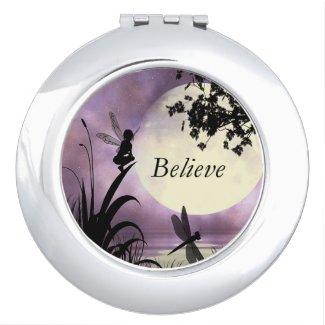 Miroir De Poche Croyez le miroir de fée d'étang de clair de lune