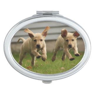 Miroir De Poche Fonctionnement jaune de chiots de Labrador