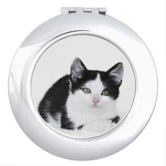 Miroir De Voyage Miroir réfléchi blanc noir de contrat de chaton