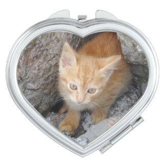 Miroir innocent de contrat de coeur de chaton miroirs de maquillage