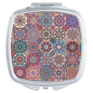 Miroirs Compacts Patchwork vintage avec les éléments floraux de