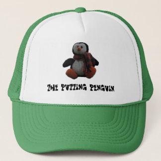 Mise du casquette de camionneur de pingouin