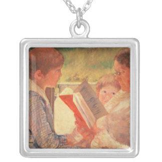 Mme Cassatt Reading à ses petits-enfants, 1888 Pendentif Carré