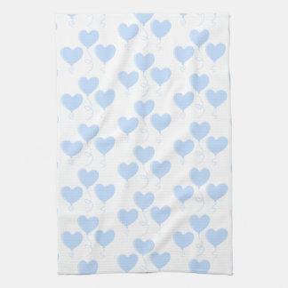Modèle bleu en pastel de ballon de coeur linge de cuisine