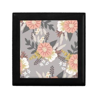 Modèle floral gris et rose petite boîte à bijoux carrée