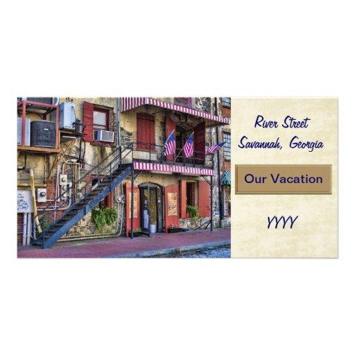 Modèle vintage de carte de vacances de rue de rivi cartes de vœux avec photo