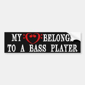 Mon coeur appartient à un bassiste autocollant de voiture