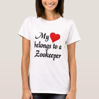 Mon coeur appartient à un gardien du zoo t-shirt