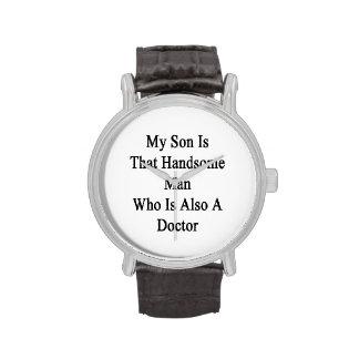 Mon fils est cet homme bel qui est également un do montres cadran