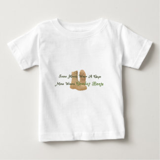 Mon héros porte des bottes de combat t-shirt pour bébé