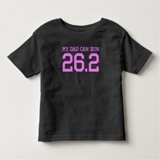 Mon papa peut courir 26,2 milles t-shirt pour les tous petits