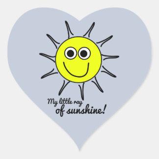 Mon petit rayon de soleil avec le sourire et le sticker cœur