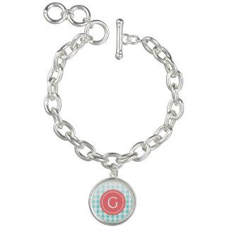 monogramme de très bon goût chic de motif de bracelet avec breloques